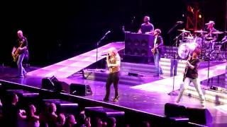 Kelly Clarkson - Don't Let Me Stop You @ Acer Arena 17 April 2010
