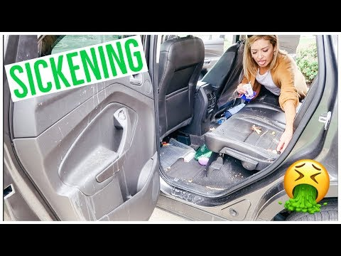 CLEAN WITH ME 2018   MY CAR IS SCARY! 😱🤢🤮🚘 EXTREME CLEANING MOTIVATION!! 💪🏼✨