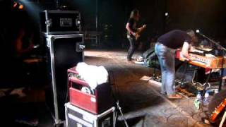 Shaking Godspeed – Lately @ Paaspop Schijndel 22 april 2011 BACKSTAGE CAM!