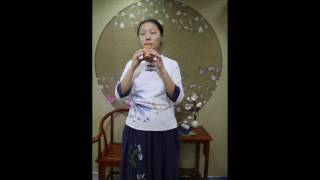 Linzhiyin plays Xun, which is the ancient instruments in old China.
