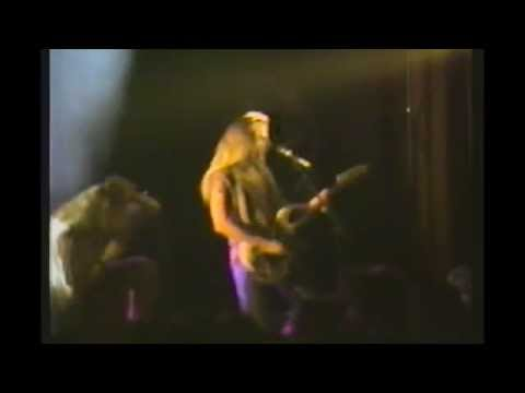 Footage Of Very Early Alice In Chains College Show