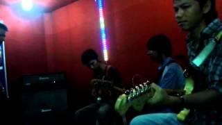 Indie Madura . NarA Band-selingkuhi Aku