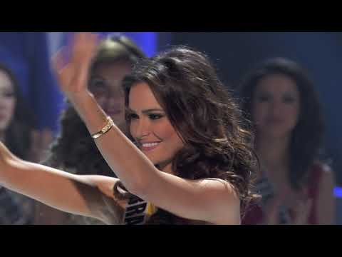 CROWNING MOMENT: Miss Universe 2011