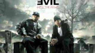 Bad Meets Evil - A Kiss - eminem and royce da 5'9