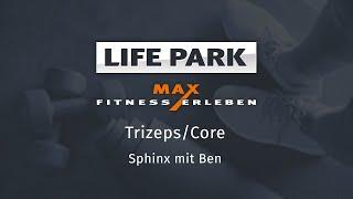 Training mit Ben 10 – Trizeps/Core – Sphinx