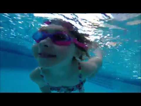 Swimming with Marissa - смотреть онлайн на Hah Life