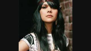 Glass by Bat For Lashes (live) with lyrics.