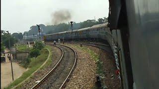 preview picture of video 'Kanchanjanga Express (13175) entering Lumding Junction'