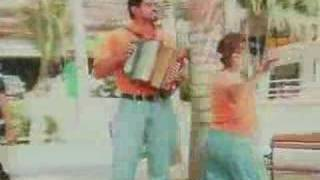 Me Mata La Melancolia - Los Gigantes del Vallenato  (Video)