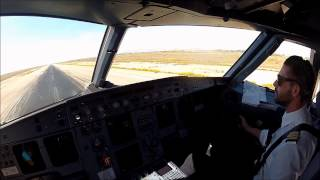 preview picture of video 'Oran DAOO 25L Captain's view F/O landing Day'
