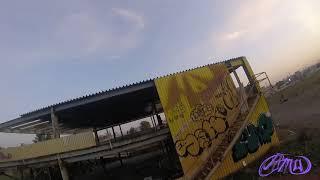 Fpv freestyle. гоночный квадрокоптер. съемка