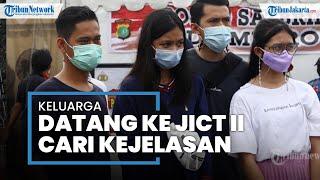 Lihat Hasil Temuan Tim SAR, Keluarga Korban Sriwijaya Air SJ-182 Datangi Dermaga JICT II