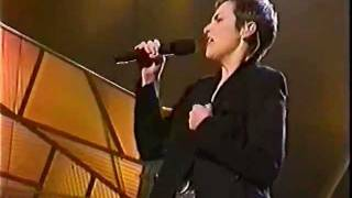 Annie Lennox - Train In Vain  (live)