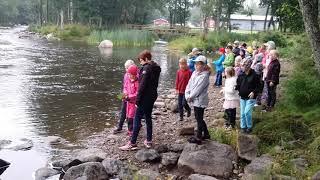 Kaarnalaivalla kohti puhdasta jokea