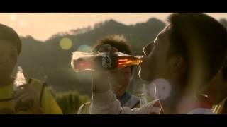 Coca-Cola: вливайся в мировой футбол!