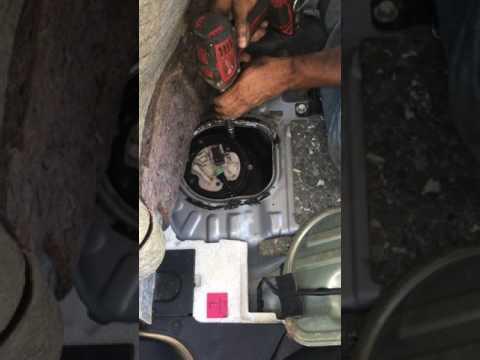 Der Einlasskollektor auf fiat dukato das Benzin