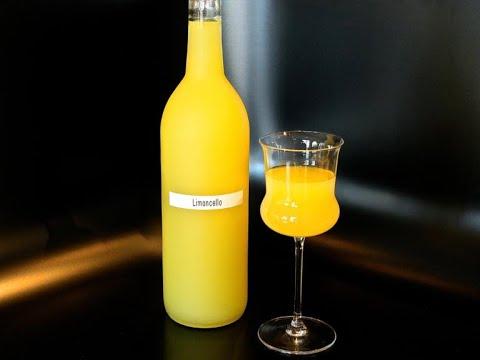 "Лимончелло ликер от Луча. Preparation of Italian liqueur ""Limoncello"".     柠檬酒利口酒"