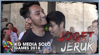 Serunya Polah Tingkah Karyawan KG Media saat Ikuti Lomba Joget Jeruk di Kantor Tribunnews Solo