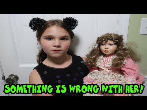 Something Is Wrong With Her! The Doll Maker Is Controlling Carlie! Escape The Doll Maker