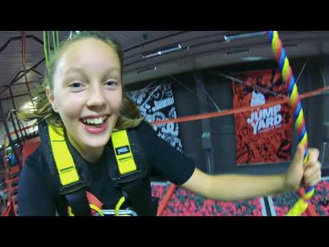 Besök JumpYards trampolinpark (mån-tors)