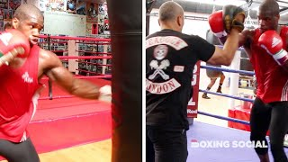 DYNAMITE! DANIEL DUBOIS SMASHES THE PADS WITH TRAINER MARTIN BOWERS AT THE NEW PEACOCK GYM!