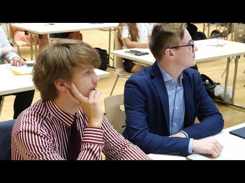 Zaproszenie młodzieży do konsultacji Strategii Rozwoju Województwa Świętokrzyskiego 2030+