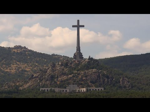 Spaniards divided over future of Franco monument