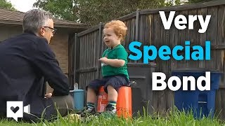 2-year-old and garbage man's special bond is priceless | Kholo.pk