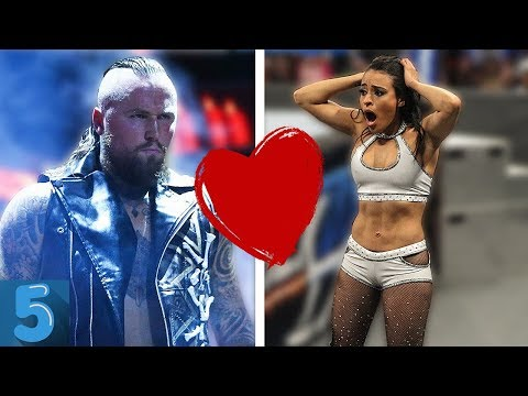 5 WWE Wrestlers You DID NOT KNOW Were DATING