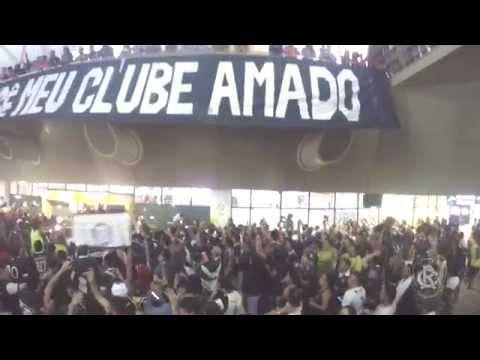 """""""Torcida do Remo invade o aeroporto de Belém"""" Barra: Camisa 33 • Club: Remo"""