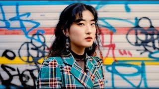 Taking Pictures of Strangers in Seoul, South Korea (한국어 자막 korean + eng sub)