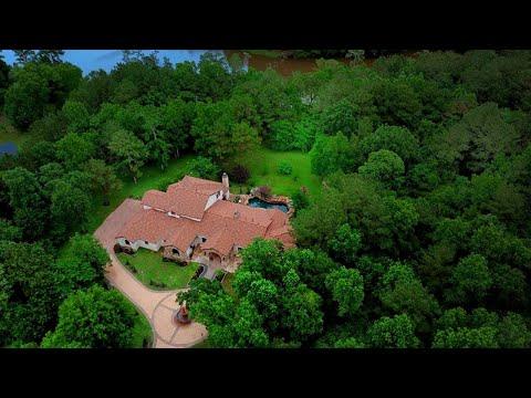 2426 Blue Lake Dr, The Woodlands - Seder Spotlight