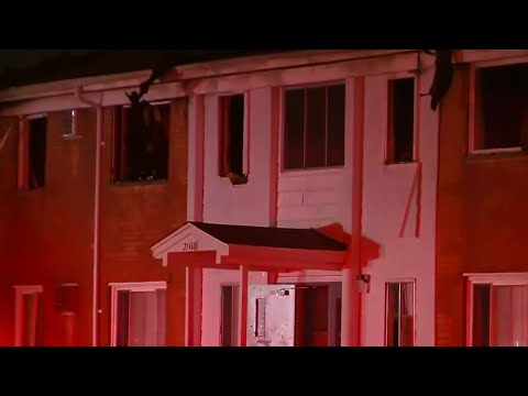 Fire breaks out at Warren apartment complex