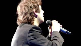 Josh Groban singing Galileo in San Antonio May 18, 2011