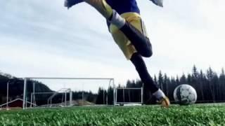 Marcus & Martinus Playing Football!!⚽️