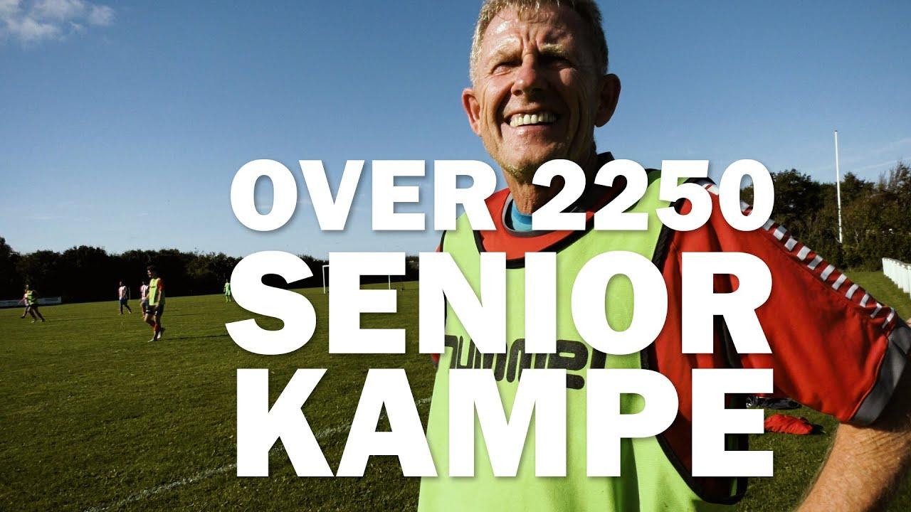 66-årig fodboldlegende har spillet flere end 2250 seniorkampe