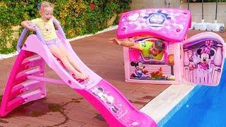 تحميل اغاني ستايسي تطلب من والدها شراء شريحة مياه جديدة. MP3