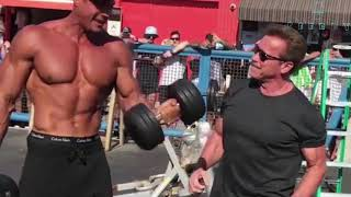 Arnold Schwarzenegger Goes Back To Muscle Beach