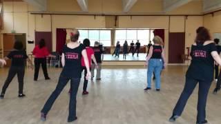 I Leave a Light On - waltz - beginner line dance