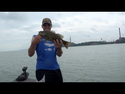 July 4th Fish Off – Lake Erie 5lb Bass vs. Pond Fishing