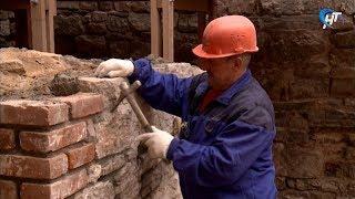 На Рюриковом Городище завершается основной этап работ по консервации руин церкви Благовещения
