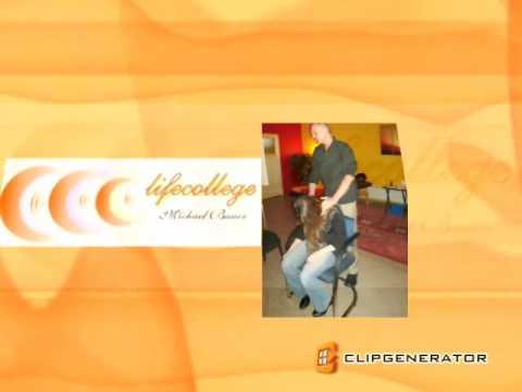 Bewusstseinserweiterung und Hypnose bei Michael Bauer, Lifecollege - moderne Coachings, Hypnose-CDs, Bücher und Seminare rund um das Thema Hypnose und Bewusstsein!