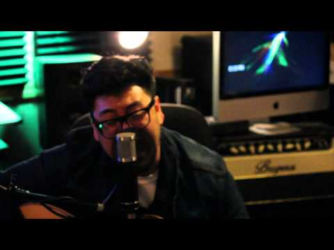 Bruno Mars - Locked Out of Heaven (Cover by Andrew Garcia)