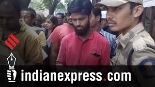 People Throng RBI In Mumbai To Exchange Old Currency Notes