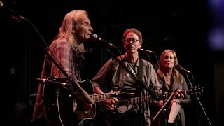 Finale With <b>Dave Alvin</b> / Jimmie Dale Gilmore  Get Together ETown Webisode 1182