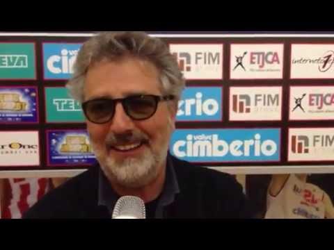 Flavio Premoli e l'inno della Pallacanestro Varese