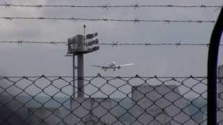 preview picture of video 'Air France boeing 777-300er landing at Mauritius Airport'