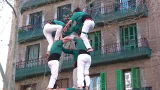 preview picture of video 'Castellers de Sabadell -  3d8  al Poble Sec  16-3-2014'