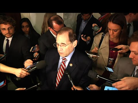 The House Judiciary Committee approved subpoenas Wednesday for special counsel Robert Mueller's full Russia report as Democrats pressure the Justice Department to release the document without redactions. (April 3)