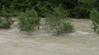 preview picture of video 'Isar-Hochwasser: Pullach bei München, Juni 2013'